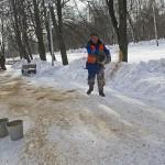 Власти признали неэффективность песка при борьбе с гололедом