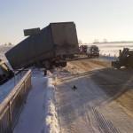 В области столкнулись грузовик и трактор