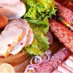 Четыре мясокомбината кормили жителей области кониной и соей