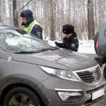 Приставы арестовали машины троих кировчан за долги прямо на дороге