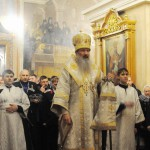 На Пасхальное богослужение в Кирове пришли более тысячи горожан (ФОТО)