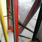 В Кирове у автобуса на ходу выпала дверь