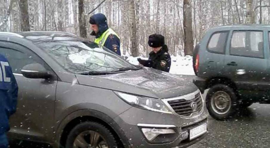 арестовали машины за долги
