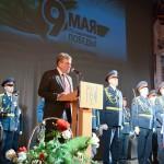 Игорь Васильев поздравил жителей области с Днем Победы