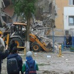 В жилом доме в Волгограде от взрыва обрушился подъезд (ВИДЕО)
