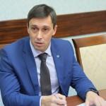 Курдюмов рассказал об этапах повышения зарплаты педагогам области