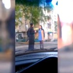Пьяный священник в Кирове рано утром приставал к женщине у бара (ВИДЕО)