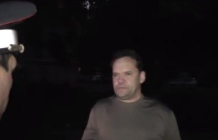 пьяный офицер испачкал штаны