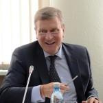 Муниципальных чиновников в Кировской области обяжут отчитываться о доходах перед губернатором