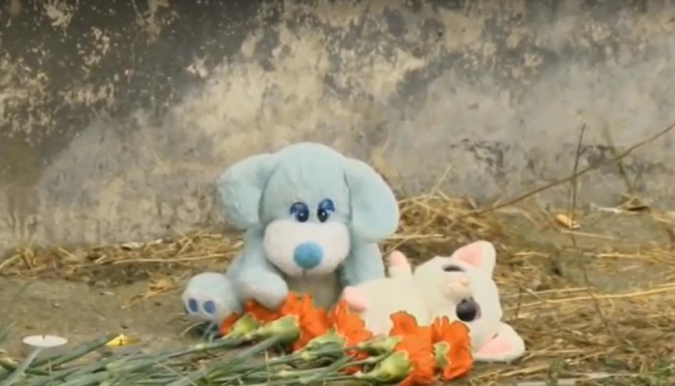 видео где упал ребенок