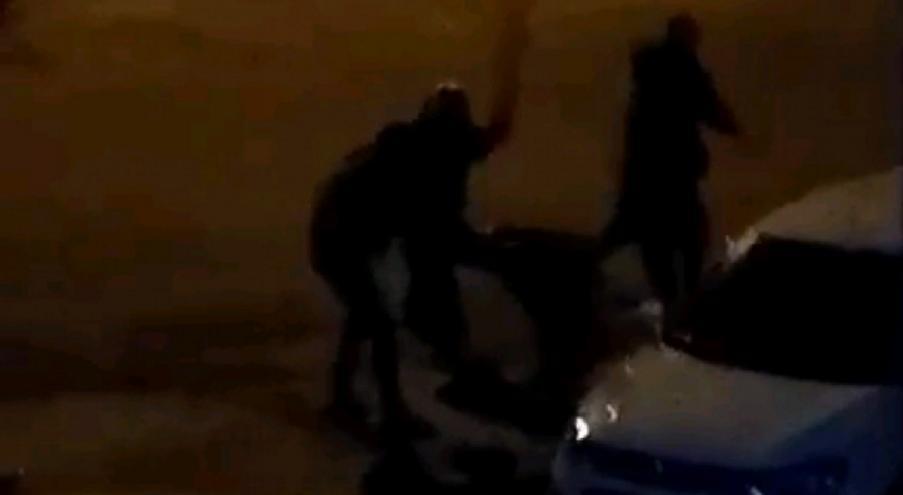 избили двух мужчин
