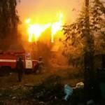 В Нововятске полностью сгорел нежилой дом