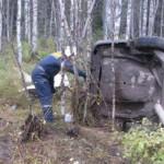 Из-за лопнувшей покрышки на трассе в Коми автомобиль кировчан улетел в кювет