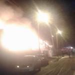В Вересниках сгорел автосервис с машиной внутри