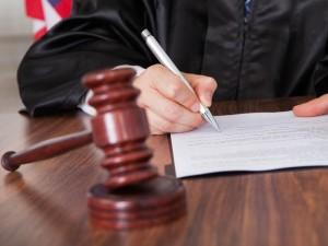 В Кирове осудили двух мошенников, пообещавших содействие в аренде муниципальной земли