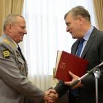 Губернатор поздравил сотрудников и ветеранов УМВД с профессиональным праздником