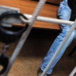 В Омутнинском районе гости избили и ограбили 35-летнего мужчину