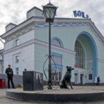 На Кировском вокзале задержали двух пьяных школьниц: подростки вели себя неадекватно