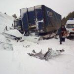 На трассе «Вятка» столкнулись «Хендай-Солярис» и грузовик: три человека получили травмы