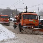 Борьба со снегом в Кирове: на расчистку выводится весь парк городской техники