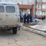 Сегодня у дома подростка, напавшего на инвалида в Кирово-Чепецке, «дежурила» агрессивная толпа и полицейские