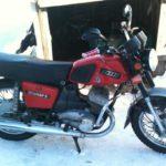 В Вятскополянском районе 17-летний бесправник на незарегистрированном мотоцикле сбил школьницу