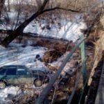 В Вятских Полянах такси вылетело с моста