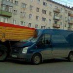 В Кирове пьяный водитель Ford въехал в стоящий КамАЗ: мужчину вырезали из салона специнструментом
