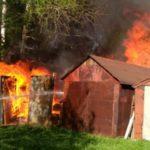 В Котельниче из-за детской шалости «взорвался» гараж