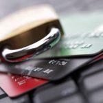 Банкам разрешили блокировать карты клиентов без их согласия