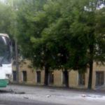 В Кирове столкнулись фургон и автобус