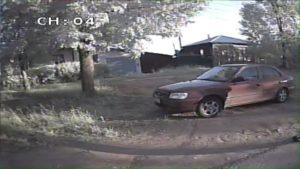 В Яранске 1,5 – годовалый ребенок оказался в заблокированном автомобиле