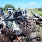 В результате лобового столкновения с фурой на трассе Игра-Глазов погибли двое молодых людей