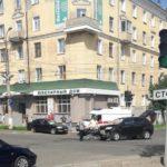 В Кирове на перекрестке столкнулись Nissan и SsangYong