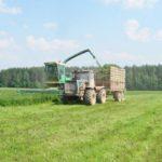 В Унинском районе начали заготовку кормов