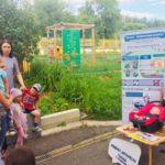 В Кирове сотрудники Госавтоинспекции проводят тренинги по правилам установки детских автокресел в автомобилях