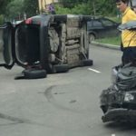 В Кирове после столкновения с другой иномаркой опрокинулся Citroen