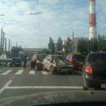 В Кирове столкнулись три автомобиля: на участке образовалась пробка