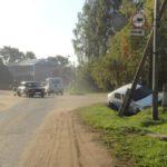 В Даровском столкнулись Renault Logan и ВАЗ-2106