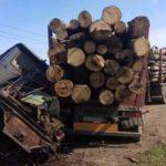 В Котельничском районе на переезде столкнулись «КамАЗ» и тепловоз: пассажир грузовика госпитализирована