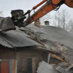 Суд обязал муниципалитет снести аварийные дома в Мурашинском районе