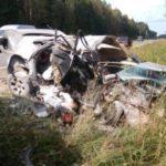 """Три человека погибли в столкновении автомобилей """"ВАЗ-2115"""" и Ford Transit на Советском тракте"""
