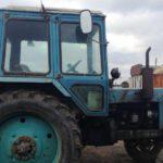 В Малмыжском районе мужчина уехал на угнанном ГАЗе за спиртным: его приятель решил ему помочь и отправился за ним, угнав трактор