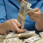 В Кирове руководитель двух фирм вывел свыше 31 млн долларов за рубеж по подложным документам