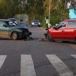 В Лузе лоб в лоб столкнулись две «Лады»: виновник аварии отказался от медосвидетельствования