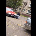 В Кирове водители устроили драку на дороге