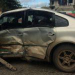 В Кирове столкнулись «Газель» и Volkswagen: от удара грузовик перевернулся на бок