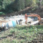 В Уржумском районе продолжается капитальный ремонт гидроузла на реке Ройка