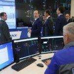 Павел Ливинский на примере показал Премьер-министру РФ Дмитрию Медведеву эффекты от внедрения цифровых сетей
