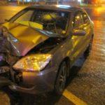 В Кирове водитель Mitsubishi врезался в столб
